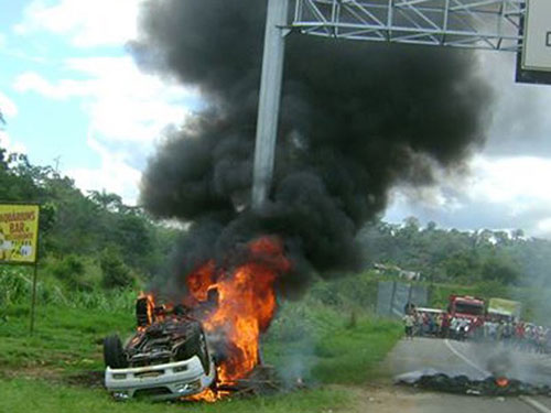 Incêndio casas de indígenas tupinambá 8