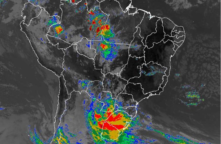 Imagem de satélite nesta segunda-feira (14) em todo o Brasil - Fonte: Inmet