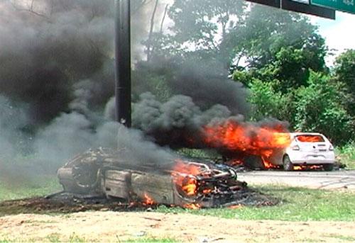 Incêndio casas de indígenas tupinambá  7