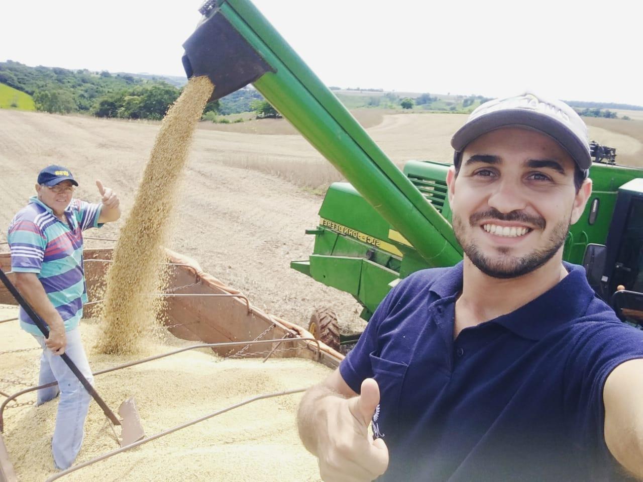 Final da colheita no Sítio São Luíz, em Engenheiro Beltrão (PR). Envio de Rogério Tibério