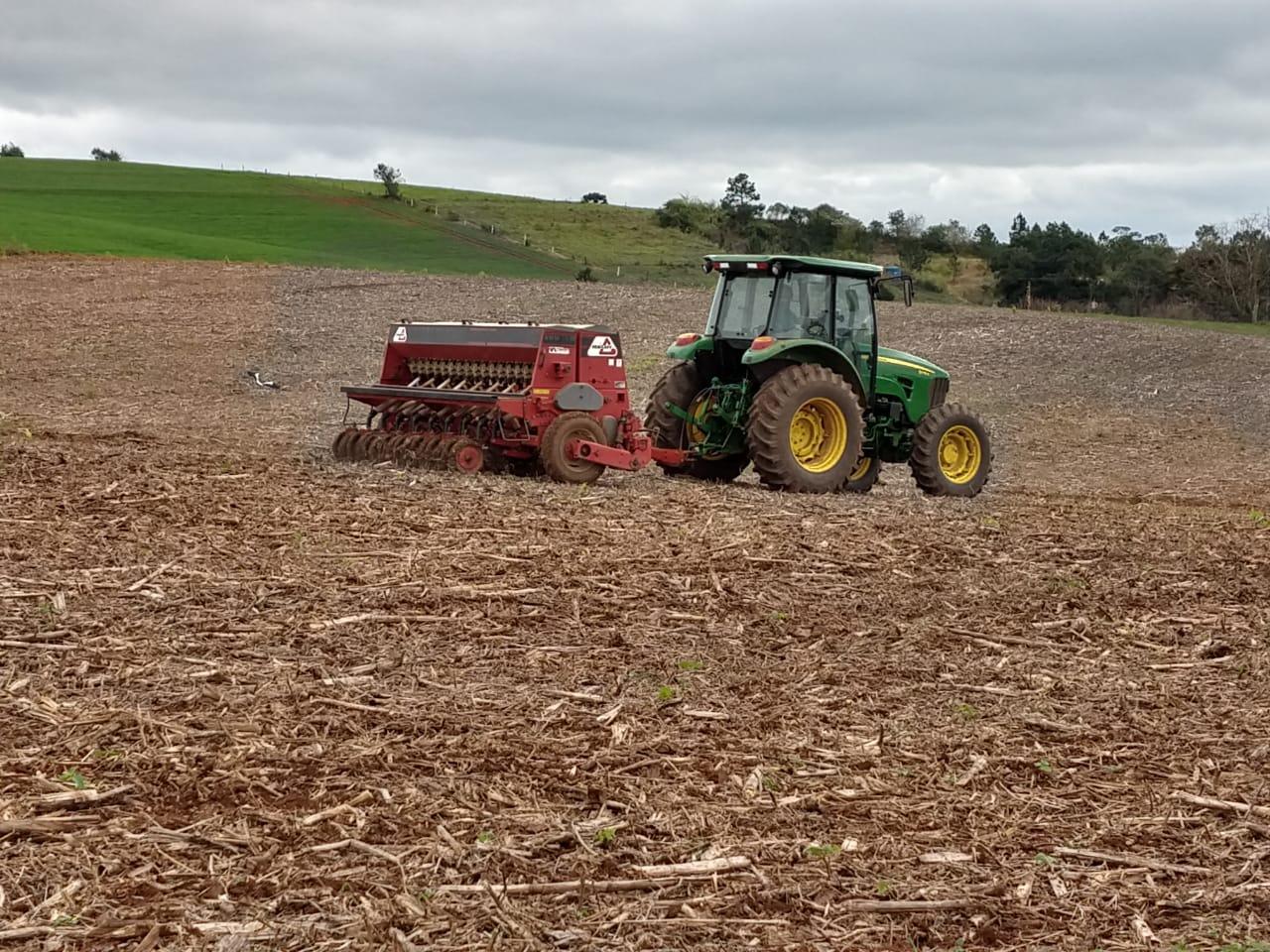 Após dias de sol se inicia a semeadura de trigo no oeste de Santa Catarina. Envio de Ednilson Angonese Eng. Agrônomo