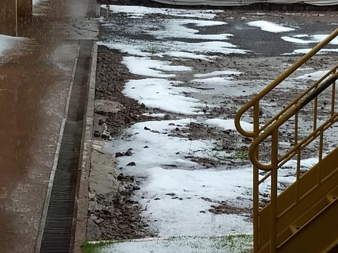 Chuva de granizo em Luziânia (PR)