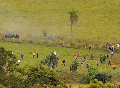 Indios invadem Fazenda Buriti novamente - correiodoestado.com.br