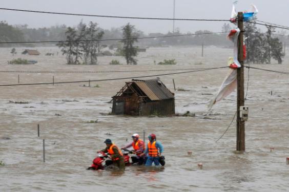 Campo inundado após Doksuri atingir província de Ha Tinh, Vietnã - Foto: Reuters