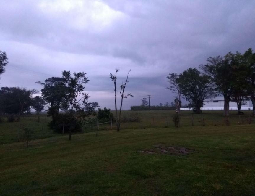 Chuva se aproximando na Fazenda Figueira, em Jóia (RS)