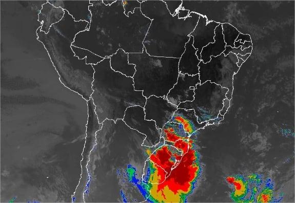 Imagem de satélite de todo o Brasil nesta sexta-feira (24) - Fonte: Inmet