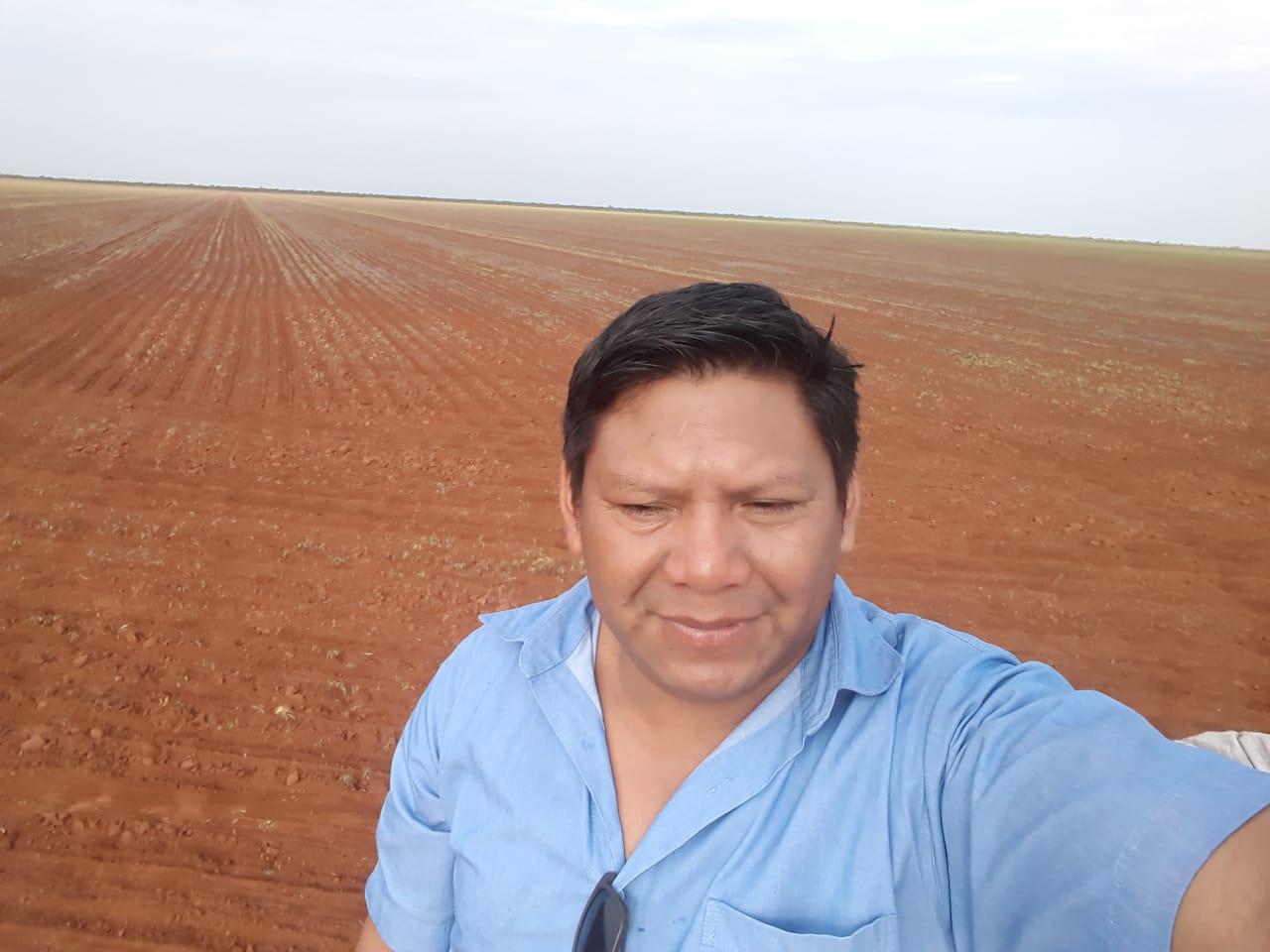 Indios plantam milho em Campo novo do parecis