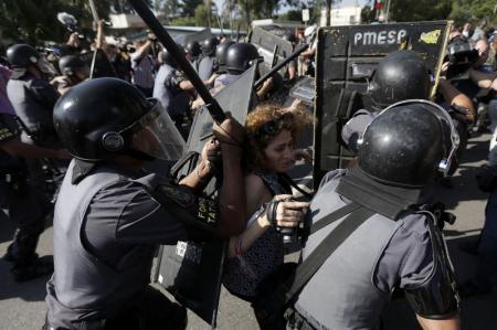 Protestos na Copa 1 - Foto: Reuters