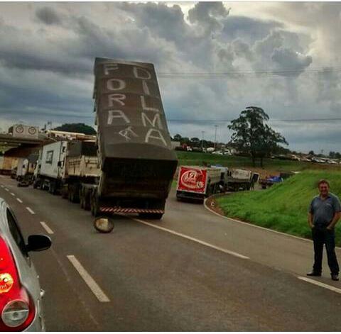 Imagem do dia - Greve PR - Protesto dos caminhoneiros em Palmital (PR)