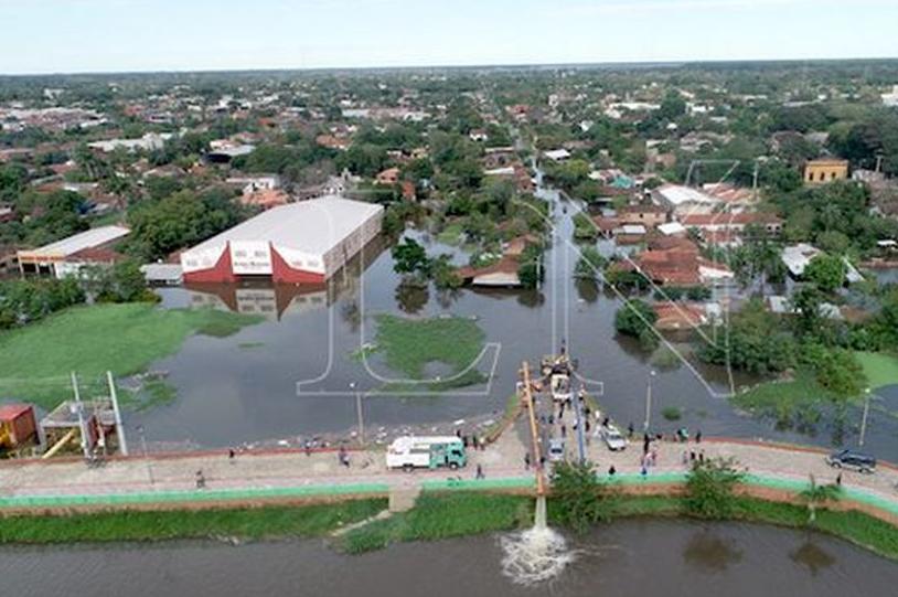Enchente na cidade de Pilar (PY) - Foto: La Nación