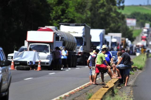 Imagem do dia - Greve RS - Protesto em rodovia do RS. Foto: Caco Konzen / Especial - Zero Hora