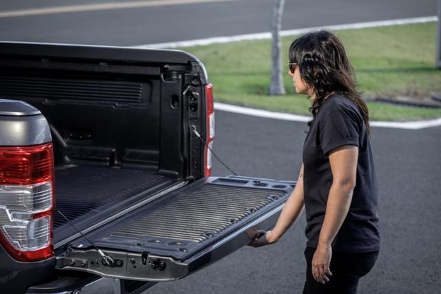 Nova tampa da caçamba da Ranger é mais leve  Foto: Divulgação/Ford Brasil