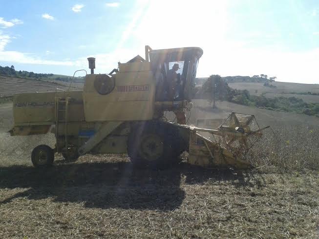 Imagem do dia - Colheita de soja em Capão Bonito (SP), do produtor rural Oriedes Cavani. Envio do técnico agrícola, Everton Oliveira