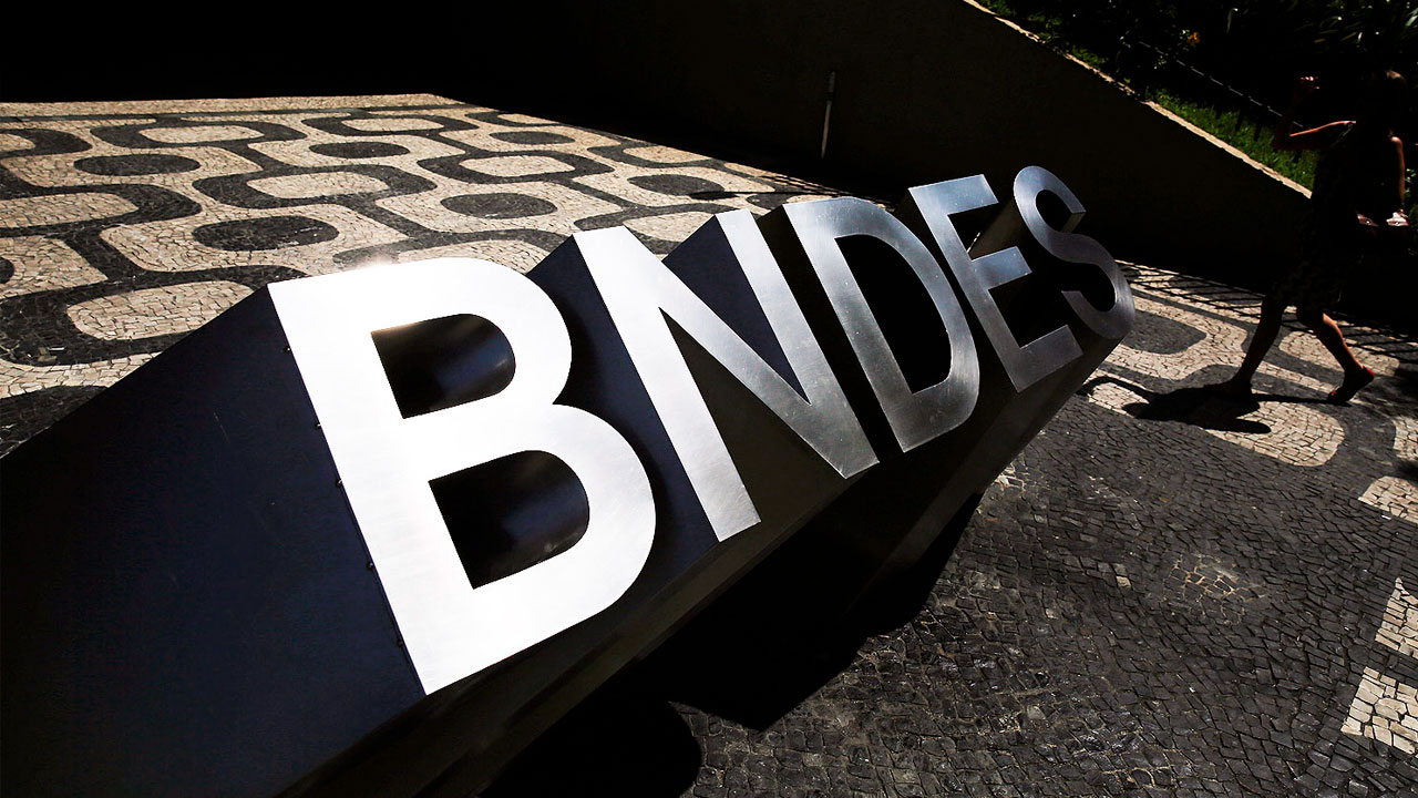 Resultado de imagem para BNDES pode devolver R$100 bi ao governo em 2019, diz conselheiro