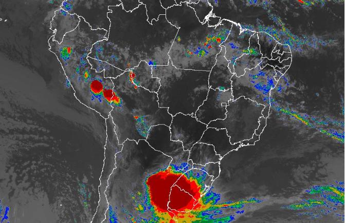 Imagem de satélite de todo o Brasil nesta segunda-feira (12) - Fonte: Inmet