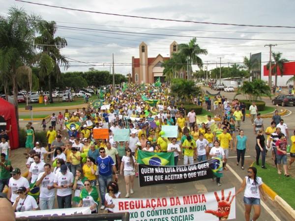 Protestos -  Lucas do Rio Verde (MT), foto de Orlando Albuquerque
