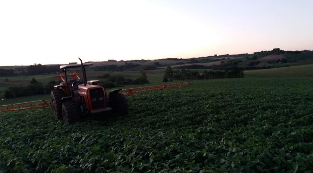 Primeira aplicação de fungicida na soja em Ponte Preta (RS). Envio do técnico agrícola Marcos Tortelli