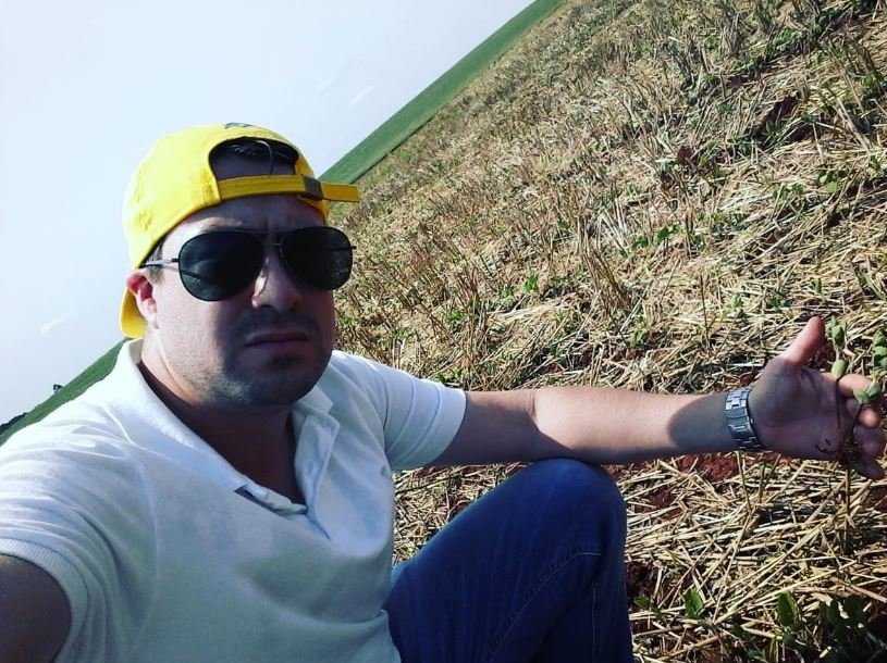 Lavouras de soja nascidas da propriedade família Giacomim em Vitorino (PR). Envio de Jonatan Tayllel Soares