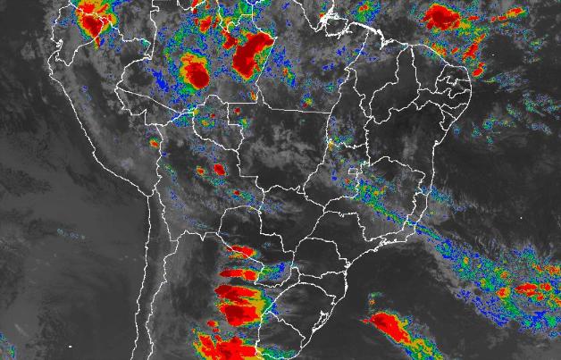 Imagem de satélite de todo o Brasil nesta segunda-feira (15) - Fonte: Inmet