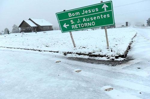Neve no sul - 27/08 - São José dos Ausentes