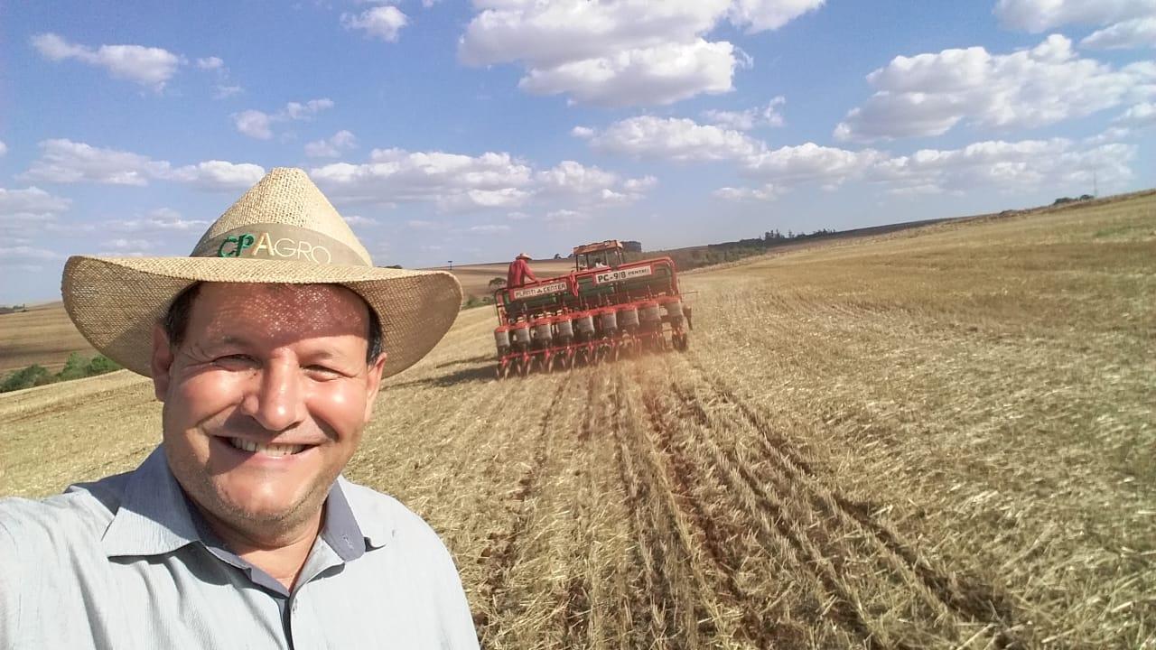 Plantio de soja no Município de Nova Aurora (PR). Envio do técnico Agrícola da Copacol David Clemente.