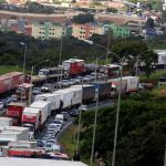 Greve MG - Caminhoneiros protestam na BR-381 em Betim, Minas Gerais. Foto da agência Reuters