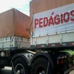 Greve SP - Paralisação dos caminhoneiros em Palmital (SP), na Raposo Tavares. Envio de André Vinicius Gazzola