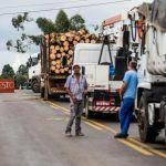 Várias rodovias ficaram paralisadas ou com trânsito lento - Bruno Covello / Gazeta do Povo
