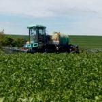 Aplicação de fungicida na lavoura de soja safrinha em Marechal Cândido Rondon (PR), do produtor Sadi Pazdiora. Envio do Engenheiro Agrônomo Darlan Verona
