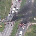 Protesto do MST fechou a BR 232, em Moreno (Foto Reprodução  TV Globo)