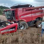Colheita de soja em Wenceslau Braz (PR), do produtor Darci Bassi
