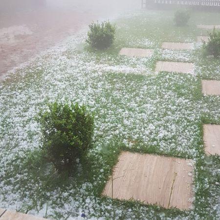 Chuva de granizo em Doutor Camargo (PR) - Foto: Ildefonso Ausec