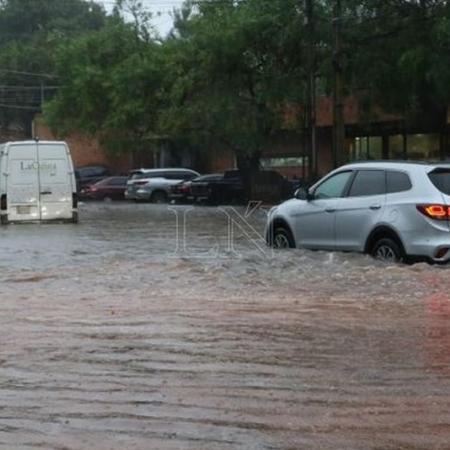 Enchente na cidade de Assunção (PY) - Foto: La Nación