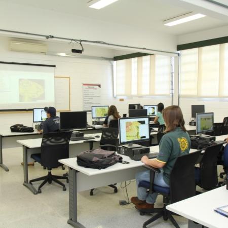 Etec e fatec na região de Pompeia/SP   Foto: Fundação  Nishimura de Tecnologia
