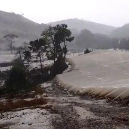 Chuva de granizo Gonçalves (MG) - Foto: Aécio Silveira da Silva e Silvana Barbosa