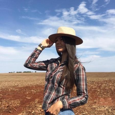 Início plantio soja , Terra Roxa Paraná - Técnica em Agronegócios : Patrícia Dobicz