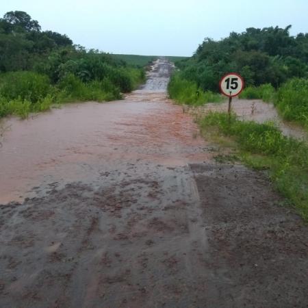 Chuva forte no municipio de Aral Moreira em Mato Grosso do Sul. Foto enviada por Caetano Ansilago
