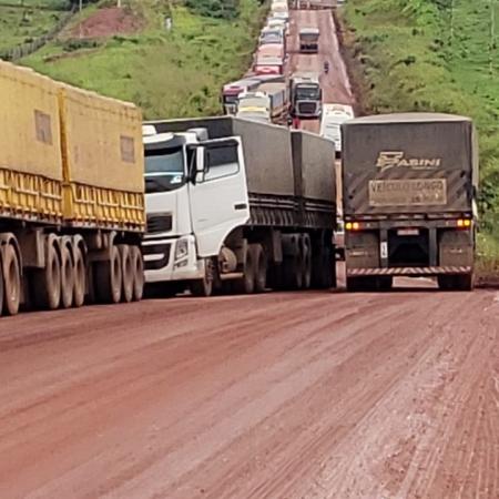 Trânsito nesta quinta-feira (18) na via transportuária, proximidade das BRs 163 e 230 - Foto: Norato Vidal