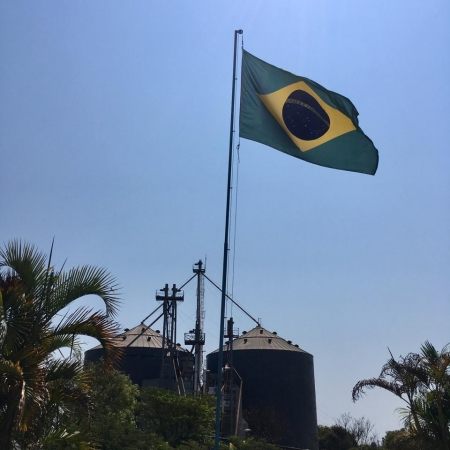 Semana da Pátria - Fazenda Omega Padre Bernardo (GO) - Envio Adriano Vaz de Lima.