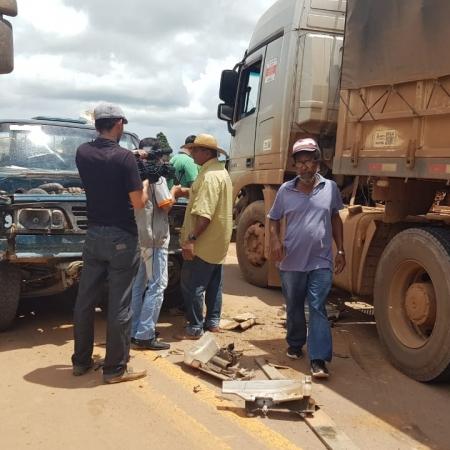 BR 163 - Novo Progresso - Caminhões parados - redes sociais - dia 04/03/19