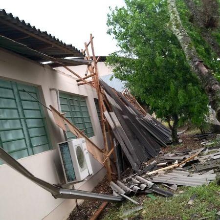 Parte de telhado de escola municipal em Forquilinha (SC) desabou - Foto: Assessoria Prefeitura de Forquilhinha