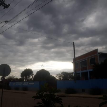 Tempestade em formação em Alto Paraguaçu, Itaiopolis/SC neste sábado (25/07)