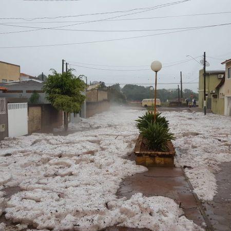Chuva de granizo em Itararé (SP) - Foto: Ricardo Takeda/Reprodução