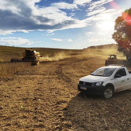 Colheita de soja dos cooperados Vagner, Álvaro e Aldemir Portes na Comunidade Palmital em Clevelândia (PR) - @guilhermefelipelemos @camisc.coop