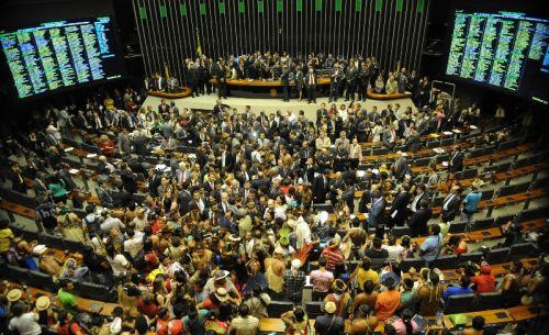 150 lideranças indígenas ocupam  plenário da Câmara dos Deputados contra PEC 215