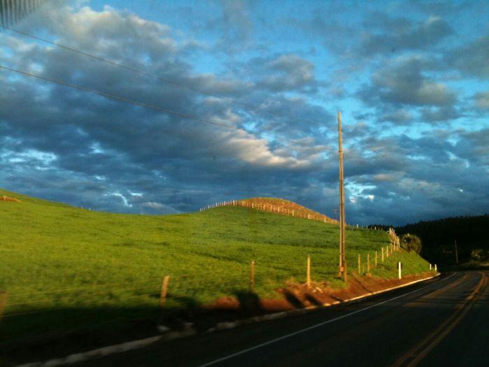 Imagem do Dia - Céu azul de Santa Catarina,  fim do dia. Envio de Luiz Henrique Massing