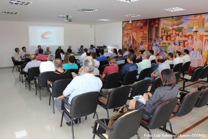 Café: Setor produtivo discute importação do grão e elabora carta para ministro Blairo Maggi - Foto: Luiz Valeriano