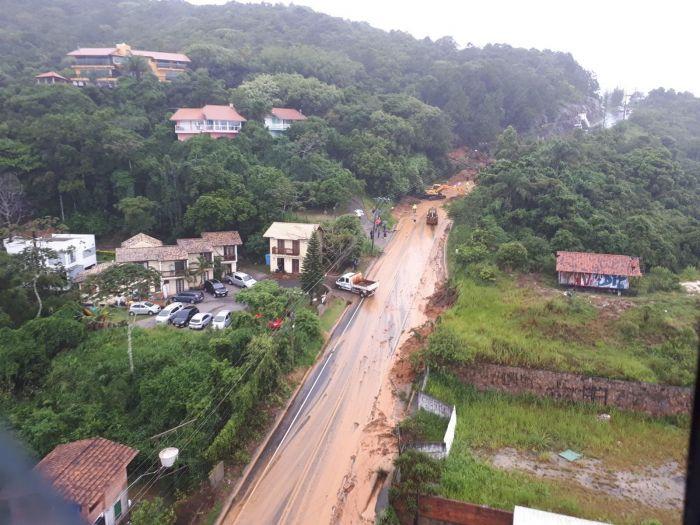 Chuva causa alagamentos e estragos na Grande Florianópolis (SC) - Foto: Eveline Poncio/NSC TV