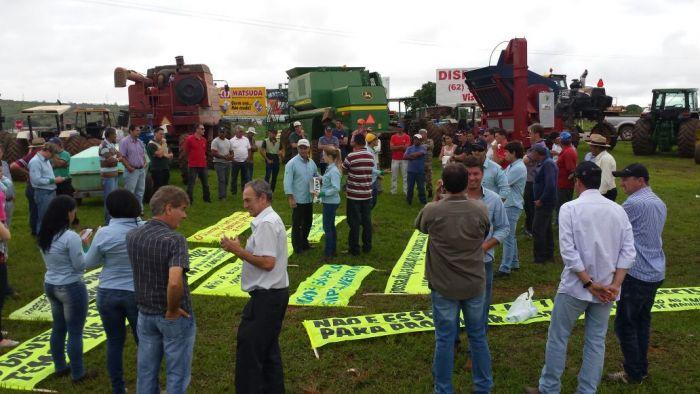 Protesto contra o emplacamento - Floresta/PR