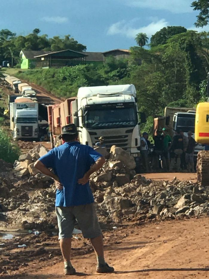 Congestionamento na BR-163 - Pará